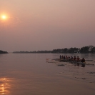 47_SZmR.9625-Rowing-on-Zambezi-UJ-Ladies-Eight-&-Sunset