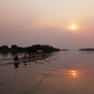 49_SZmR.9632-Rowing-on-Zambezi-UJ-Ladies'-Eight-&-Sunset