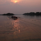 51_SZmR.9643V-Rowing-on-Zambezi-UJ-Ladies'-Eight