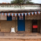 028_CZmA.3055-African-Sign-Art-Mother-&-Sons