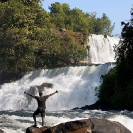 022_TZmN.7976V-Kabwelume-Falls-Man-N-Zambia