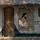 002_CZmA.8530-African-painted-House-Jesus's-Barbershop-detail