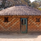 011_CZmA.8540-African-painted-House