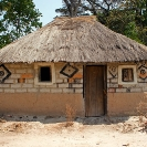 018_CZmA.8788-African-Painted-House