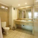 008_PHL.2565-Hotel-Guest-Bathroom-Zambia