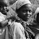 019_PZmNW.8546BW-Mother-&-Children-NW-Zambia#2