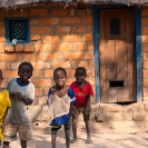 029_PZmNW.8539-African-Painted-House-&-Children#2-Zambia