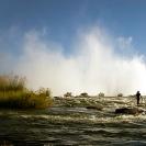 010_LZmS.2850-Victoria-Falls-&-Fisherman-Zambezi-R-Zambia