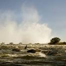 011_LZmS.28512-Victoria-Falls-&-Fisherman-Zambezi-R-Zambia