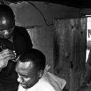 004_PZmCb.3001BW-Barbershop-Zambia