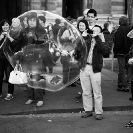 013_UFr.4863BW-Watching-Bubbles-Paris