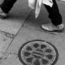 011_UArUk.5017VBW-Street-Art-Roundel-Match-Girls-London