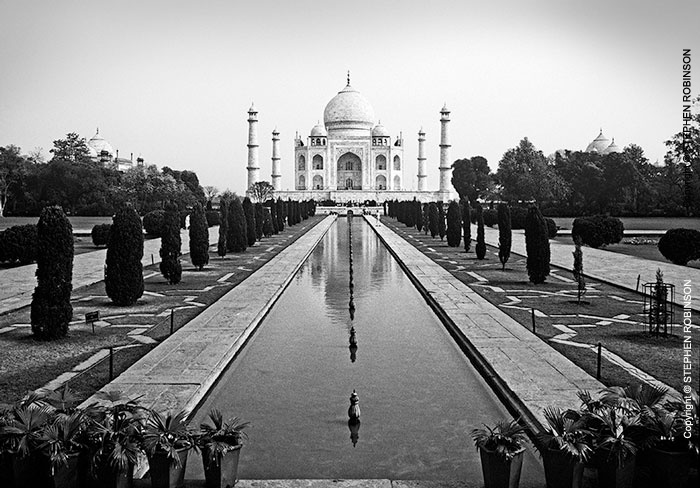 002_TIn_28BW-Taj-Mahal-India